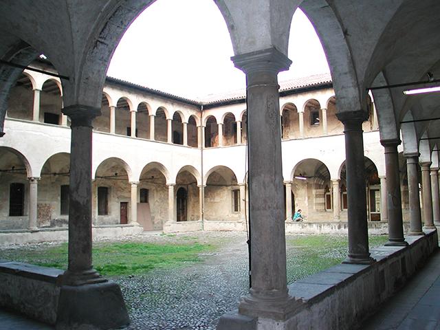 Bergamo_chiostro_sant-agostino